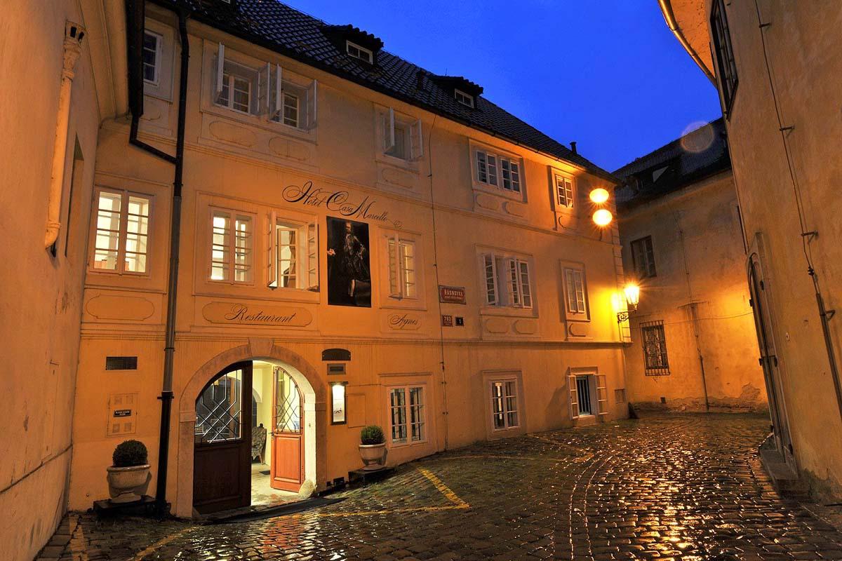Casa Marcello sijaitsee keskeisellä mutta ihanan rauhallisella paikalla.