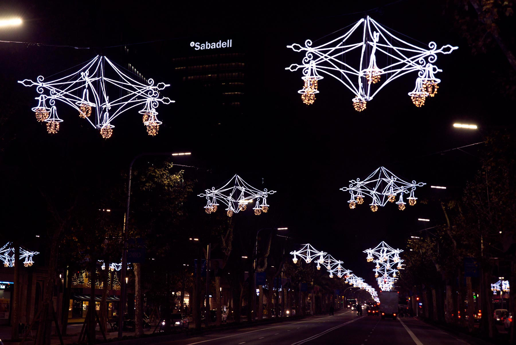 Diagonalin jouluvalot. © tripsteri.fi / Tuulia Kolehmainen
