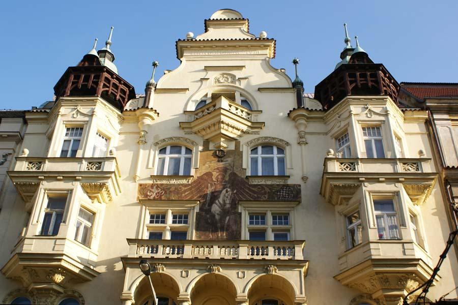 Praha on täynnä upeita jugendrakennuksia. Kuva: TijsB, Flickr CC