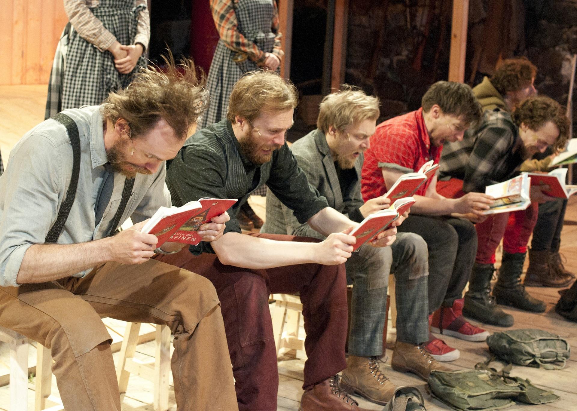 Seitsemän veljestä. Kuvassa Tommi Rantamäki, Eino Heiskanen, Eero Ojala, Mikko Virtanen, Miro Lopperi ja Elias Keränen. Kuva © Tanja Ahol