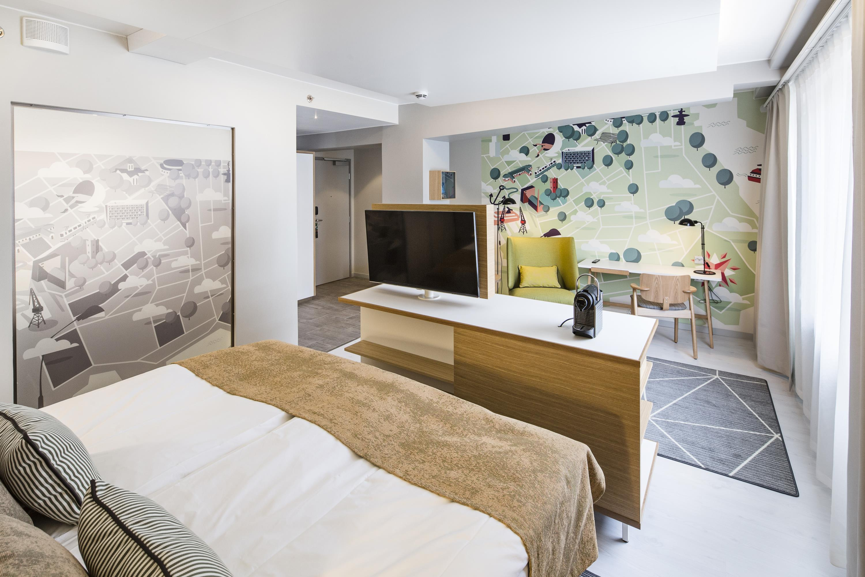 Hotel Indigo® Superior King Room