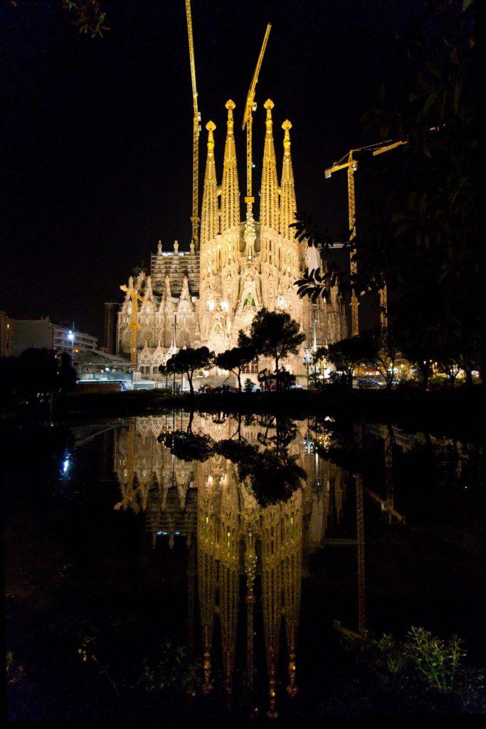 Sagrada Família yövalaistuksessa. © Tuulia Kolehmainen