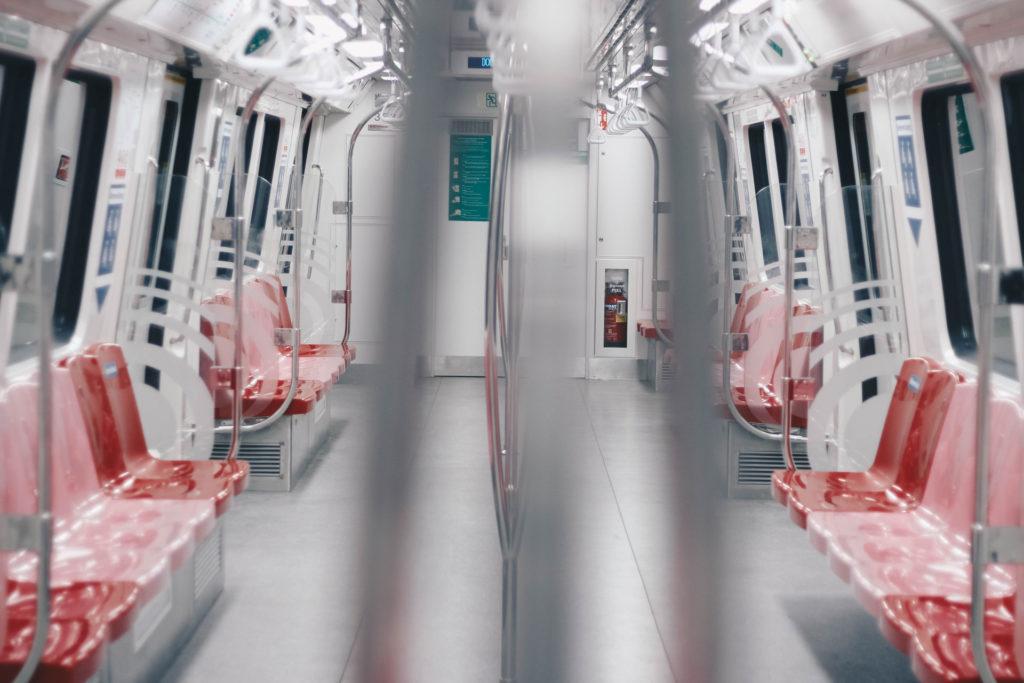 Liikkuminen SIngaporessa on yksinkertaista metrolla eli MRTllä