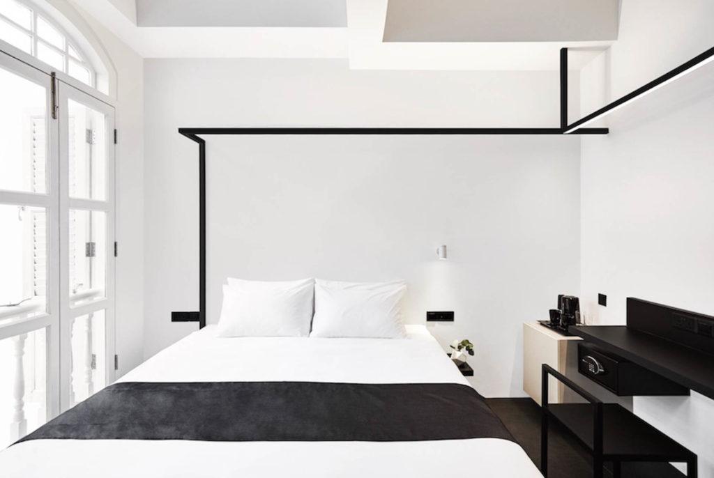 Hotel Monon huoneissa on kaikki mitä tarvita saattaa - kompaktissa tilassa. Kuva: Hotel Mono