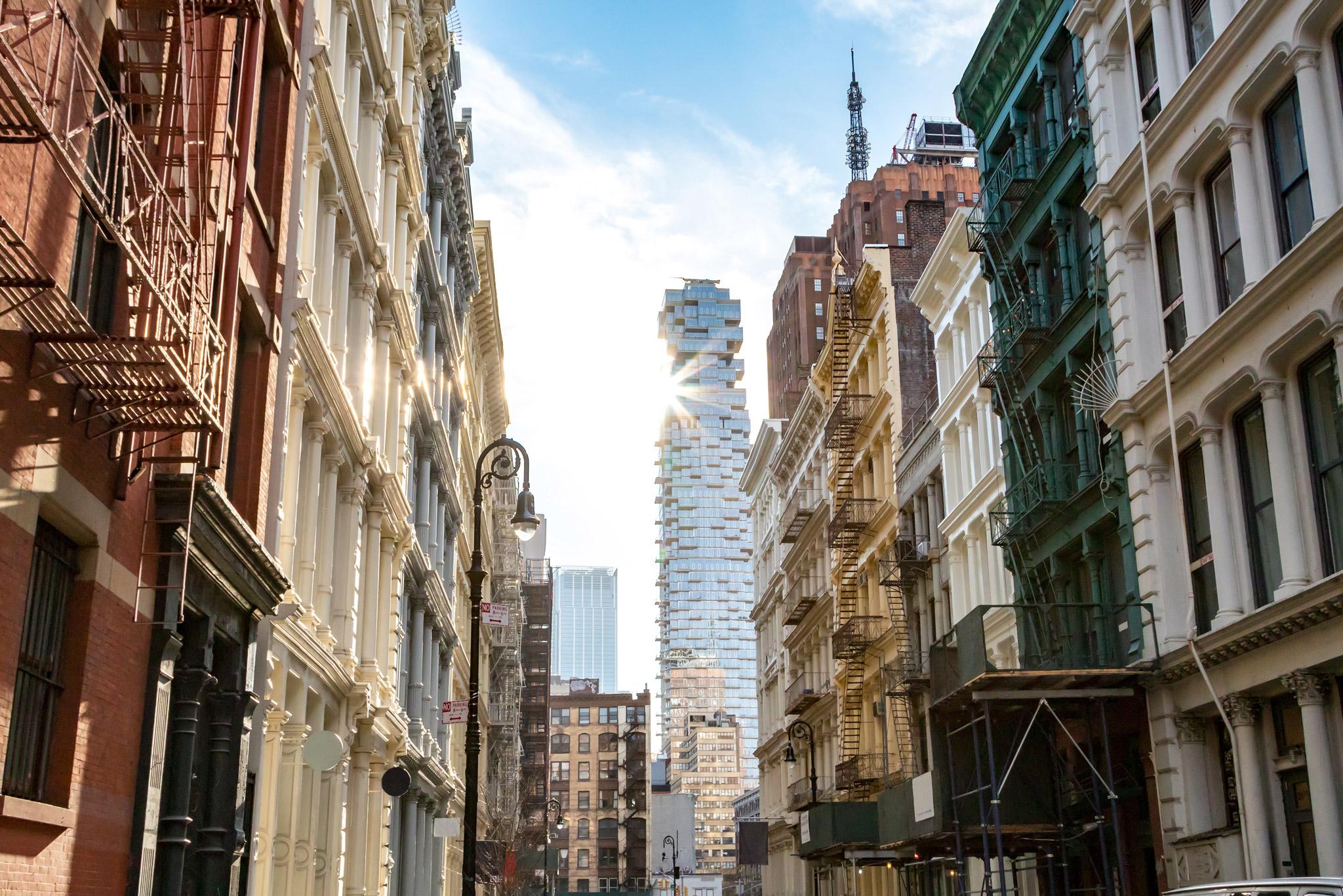 New York tunnetaan korkeista pilvenpiirtäjistään, joita on New Yorkissa on enemmän kuin missään muussa maailmankaupungissa.