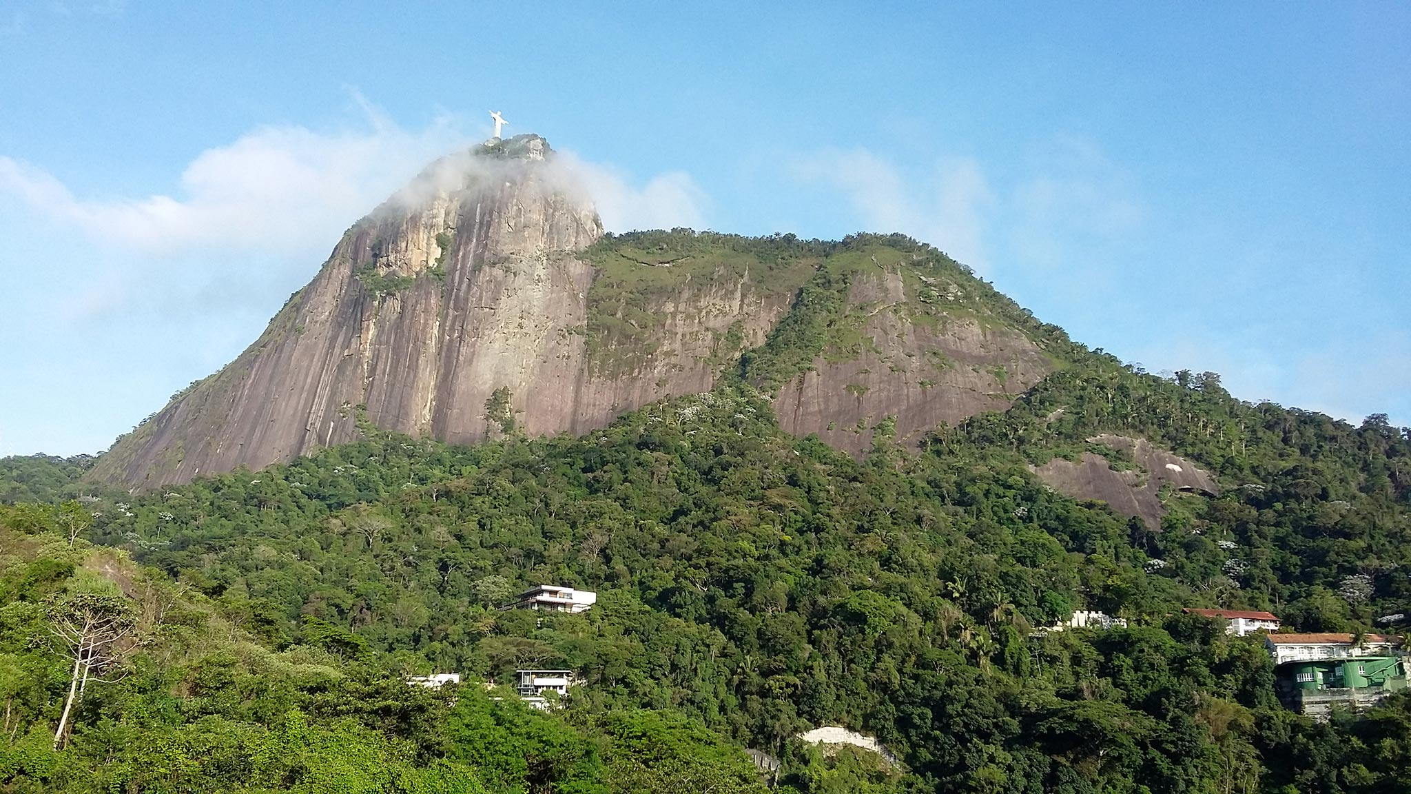 Näkymä riolaisen Rosimarin ikkunasta Corcovado-kukkulalle. Kuva © Rosimar Guarize