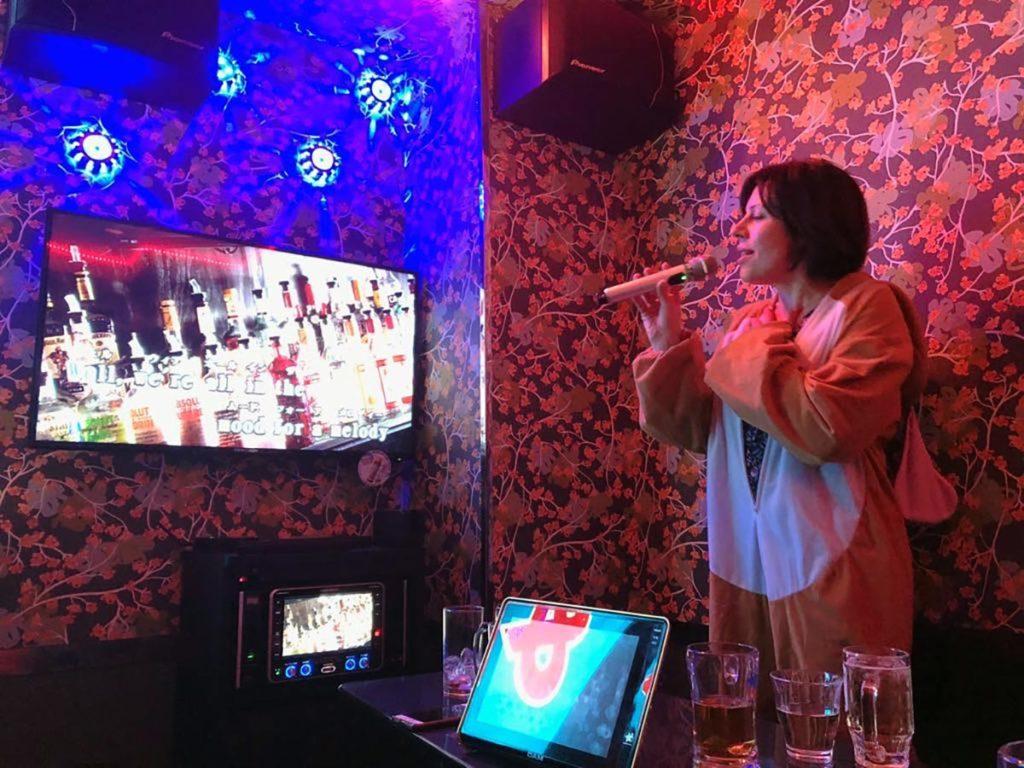 Karaokessa, Katri Kantoniemi
