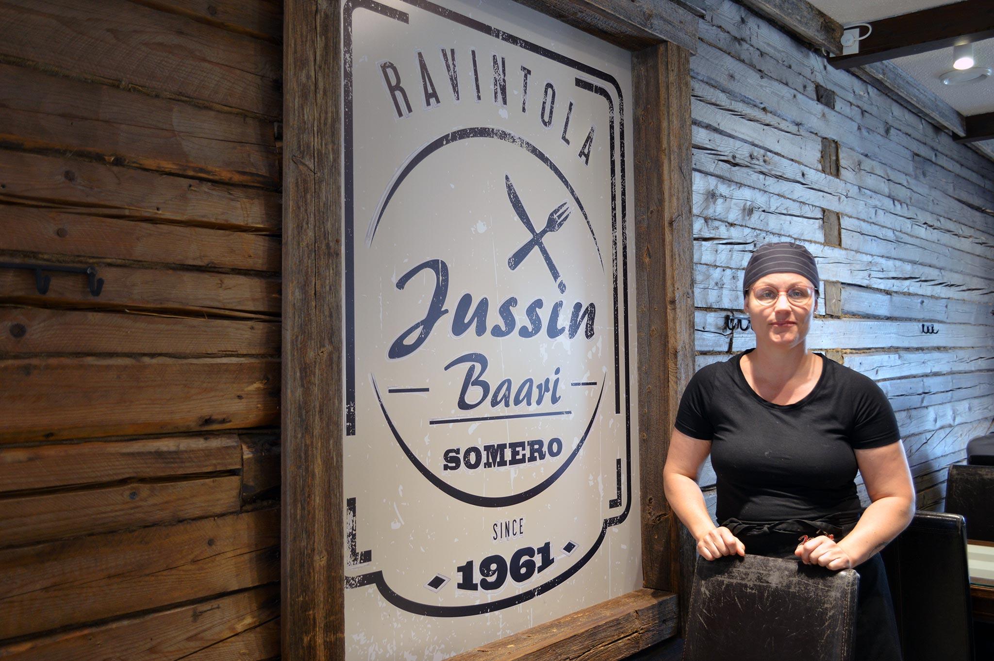 Katri Alanko pyörittää Jussin Baaria jo kolmannessa sukupolvessa.