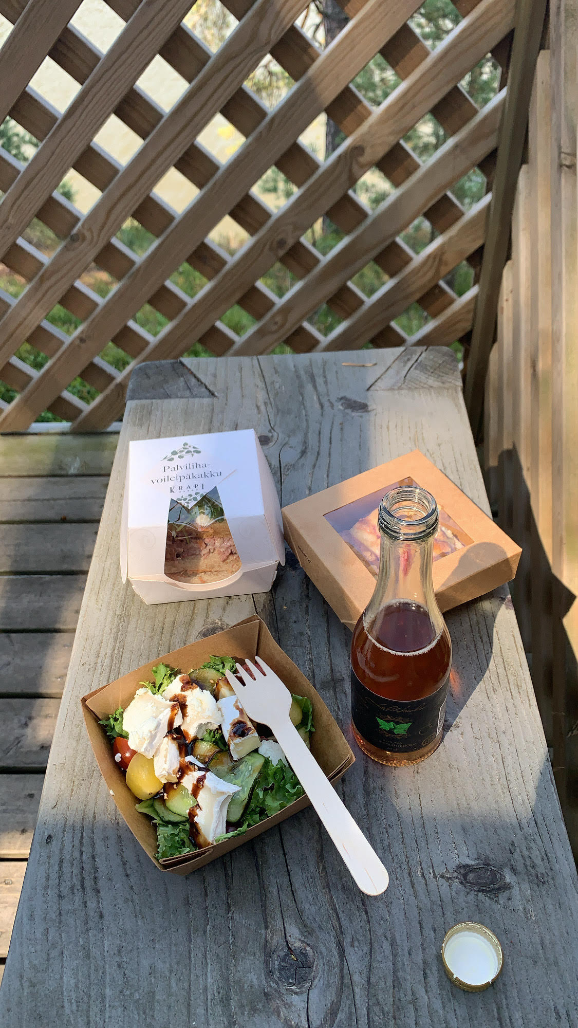 Krapin piknik-eväät. © Moona Laakso