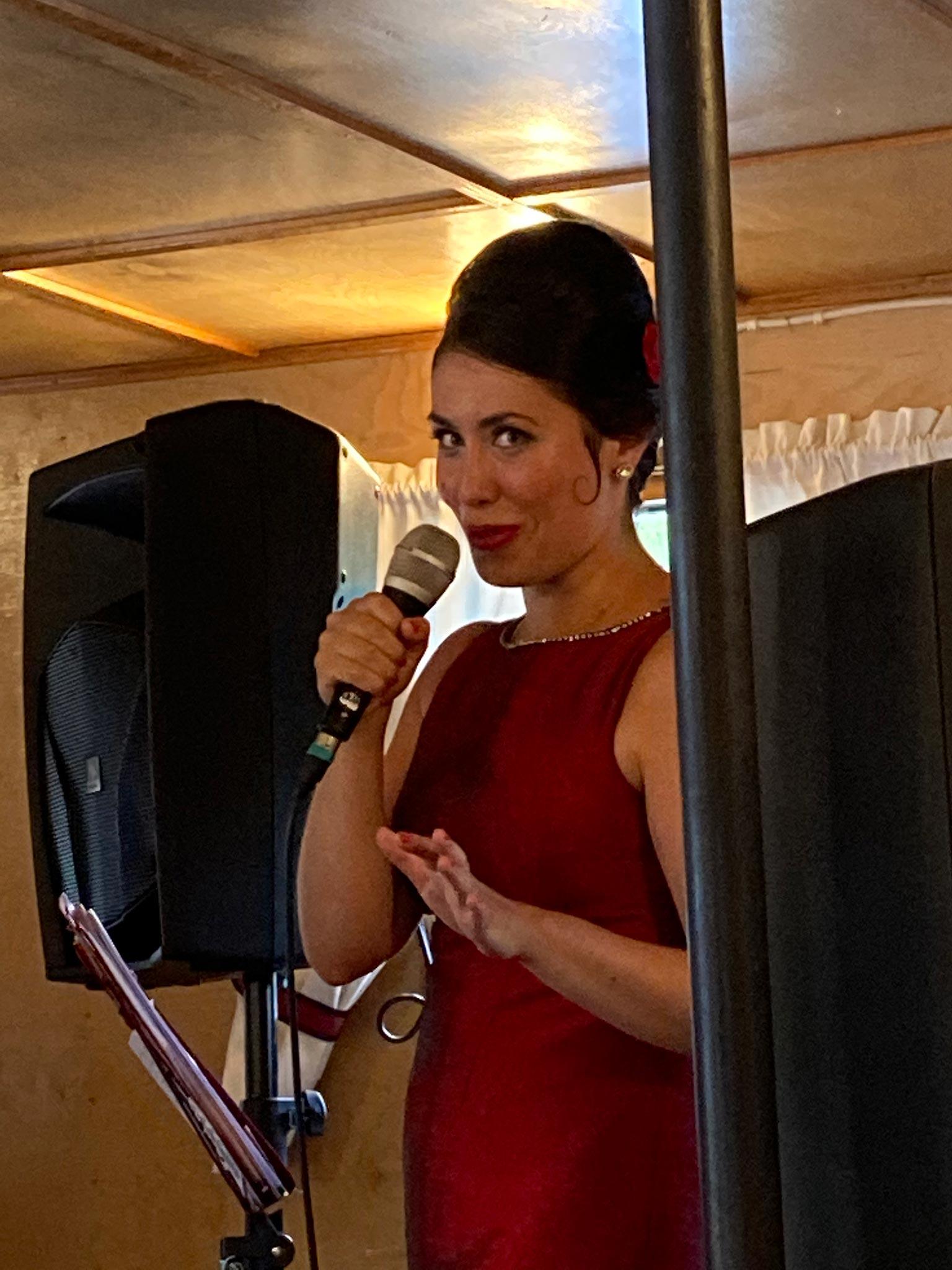 Maria Palmu esiintyi Kouta-laivalla © Eeva Simola